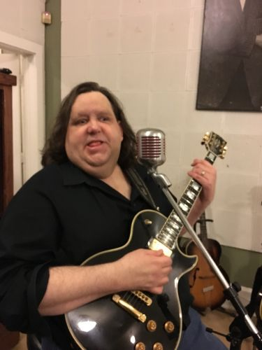 Joey with his Les Paul on the Elvis Spot with Elvis mic